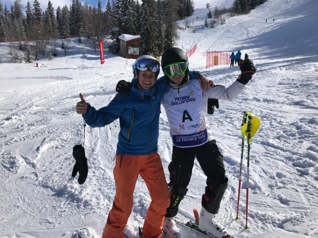 Emmanuelle Thomas (Colibri-Partners ligue Handisport Aura) et Vincent (POMA) ouvreur sur les championnats de France handiski