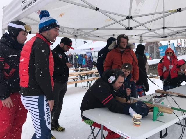 Championnats de france handisport de ski 2020 : les athlètes s'essaient au tir à l'aveugle organisé par la ligue handisport Auvergne rhone-alpes