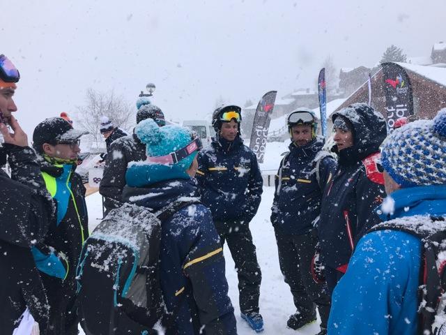 Les collaborateurs du Groupe Poma (La Comag) avec Marie Bochet lors des championnats de France handisport de ski à Peisey Vallandry